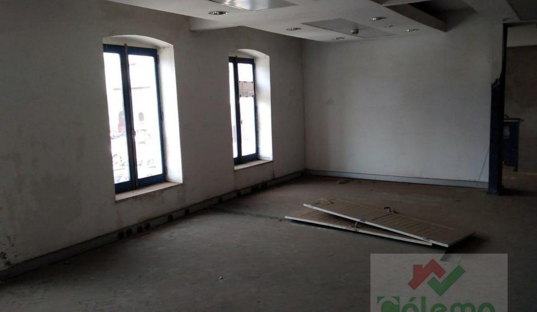 PRO11 Edificio 2 pisos 720m2 com lojas e apartamentos 12