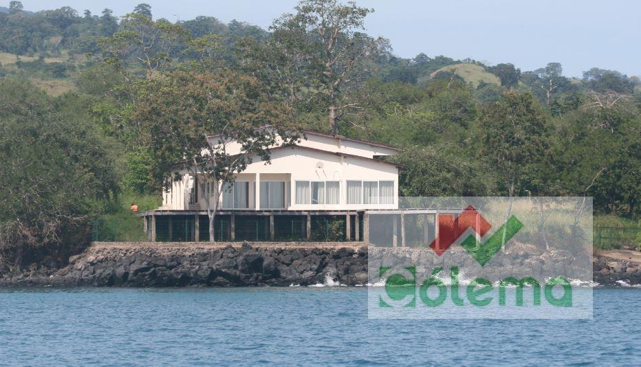 PRO22 – Maison avedc terrain 2,7 ha –  sur la mer- Zone Nord – Praia das Conchas