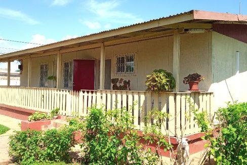 ARR107 Casa bonita T3 com jardim agradavel Santo Antonio 019