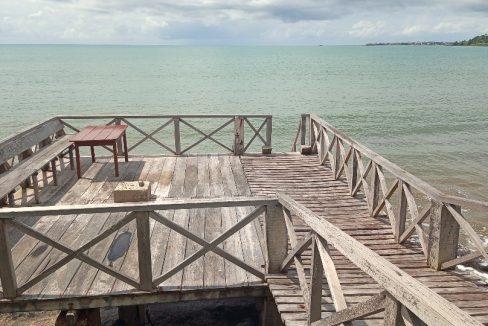VEN114 Casa de madeira beira mar praia francesa sao tome a vender 006