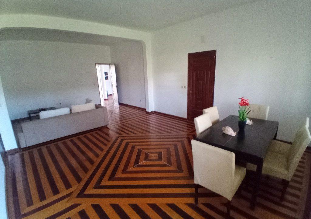 FER02_Quartos luminosos arrendar curta duracao Campo de Milho Sao Tome_10