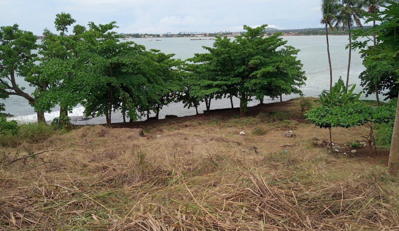 PRA 04 Terreno beira mar 2500m2 Passadeira Sao Tome com casa para renovar_001