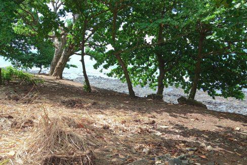 PRA 04 Terreno beira mar 2500m2 Passadeira Sao Tome com casa para renovar_007