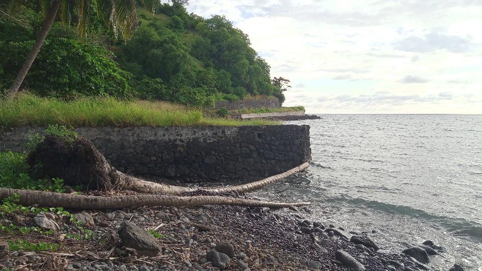 PRA 05 Terreno 1200m2 beira-mar com ponte e edifício para reabilitar 007