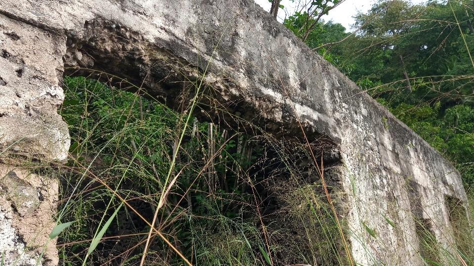 PRA 05 Terreno 1200m2 beira-mar com ponte e edifício para reabilitar 017