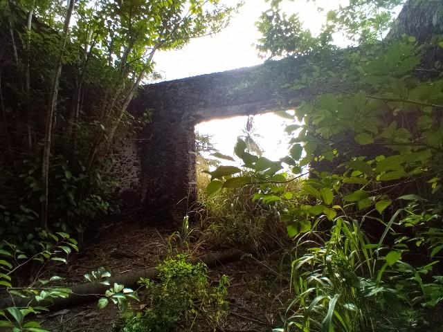 PRA 05 Terreno 1200m2 beira-mar com ponte e edifício para reabilitar 018