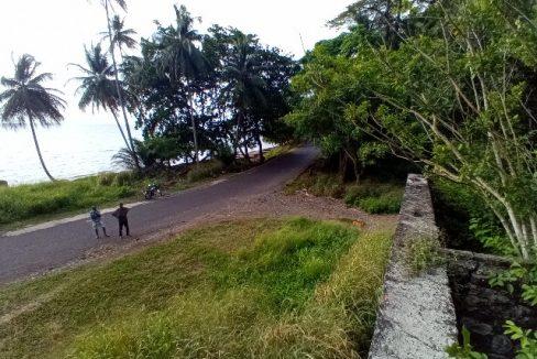 PRA 05 Terreno 1200m2 beira-mar com ponte e edifício para reabilitar 034
