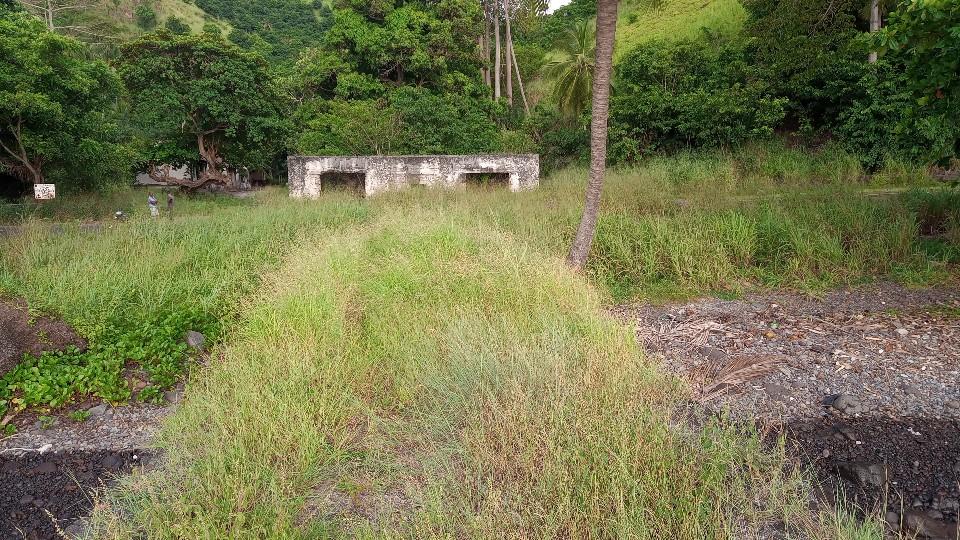 PRA 05 Terreno 1200m2 beira-mar com ponte e edifício para reabilitar 036