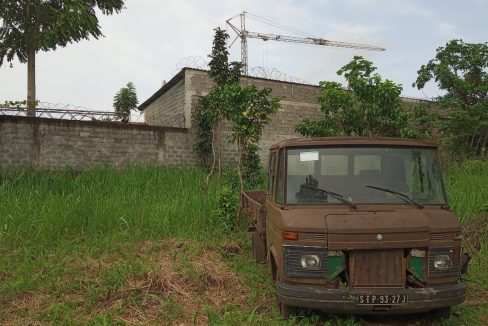 PRO 104 Terreno 5000m2 com armazem Palmar Sao Tome_11