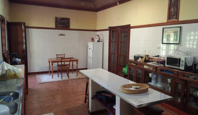 VEN20_Casa grande luxo com quintal 1 ha Me Zochi Sao Tome vender_05