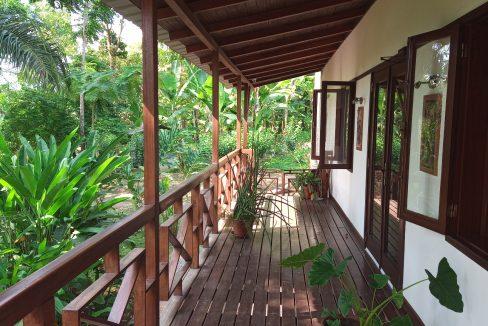 VEN20_Casa grande luxo com quintal 1 ha Me Zochi Sao Tome vender_11