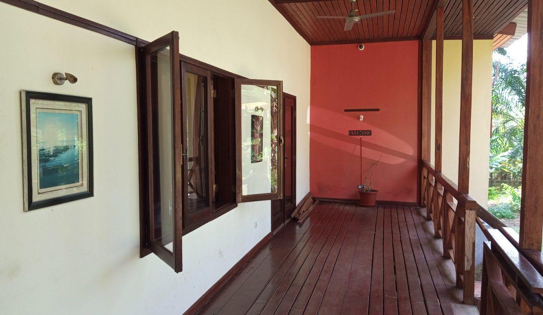 VEN20_Casa grande luxo com quintal 1 ha Me Zochi Sao Tome vender_12